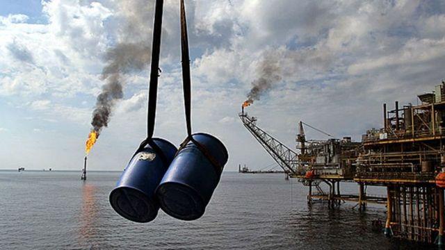 قیمت نفت و دلار